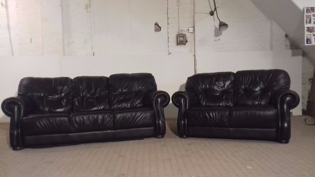 3 & 2 Seater Leather Black Sofa - DELIVERY AVAILABLE