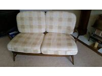 Ercol Spindle Back Sofa & 2 Arm Chairs In Excellent Condition