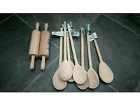 2x Mini rolling pin and 7x wooden spoons