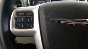 2015 Chrysler Town & Country DUAL DVD-BACK UP CAMERA-DUAL AIR/HE Windsor Region Ontario image 14