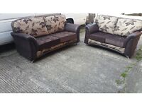 BUY THE LYNX REVERSO 3+2 IN BROWN /CREAM FLORAL CUSHION 3 SEATER £399 GET 2 SEATER FREE !!