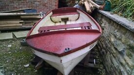 Project small 8 foot fishing boat in needing abit of tcl