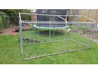Dog cage/run