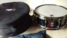 Mapex Black Panther Snare The Black Widow 14x5 maple with case.