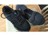 Bloch split sole trainers size 7