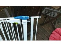 2 Lindam stair gate in Gates & Guards