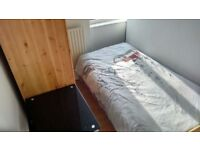 (16.1) Nice Furnished Single room Near King cross Station - No Fee
