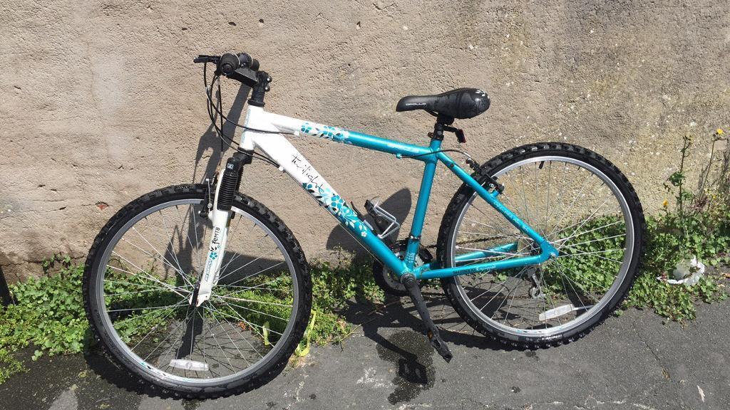 Apollo shimano twilight mountain bike (female)