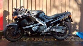 Kawasaki ZZR 600 D 1990 37K Damaged Repairable Write Off V5 £275 ono
