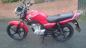 YAMAHA YBR 125cc 2010 - RED IN EXCELLENT CONDITION