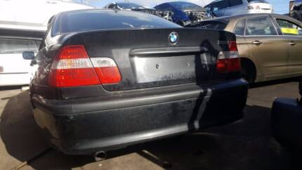 Wrecking a 2004 BMW 318i for Parts