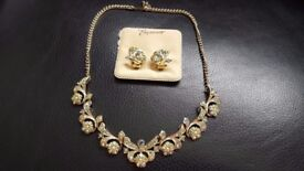 Pretty Vintage Jewellery Set