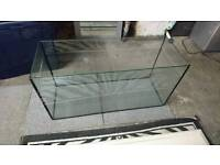 Good condition large fish tank