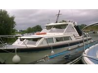 Seamaster 30 aft cabin, twin diesel engines on shafts excellent condition, ready to good