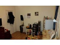 Master double room to rent only few minutes from the station.