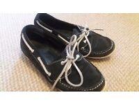 Clarks Boat Shoes / Deck Shoes size 5/6