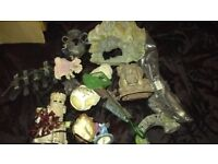 Box of old large and small fish tank ornaments