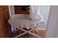 Moses Basket / Foldable Stand + Baby Bath