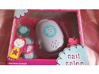 Nail varnish dryer for children