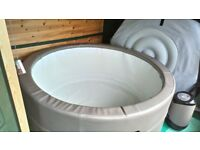Canadian Spa Hot Tub - Solid wall - Portable