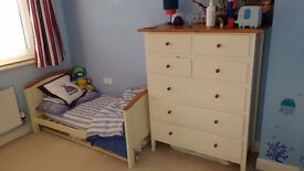 Henley cot/toddler bed and bedding