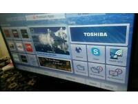 Toshiba 50 inch screen hd lcd free view and smart TV £ 130