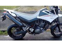 Yamaha XT660X (2009) Motorbike