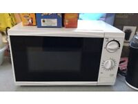 TESCO MICROWAVE GREAT CONDITION