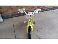 Apollo Sugar and Spice Bike age 3-5 in excellent condition with matching helmet