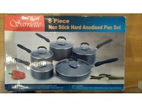 Sarriette 5 non stick hard anodised pan set