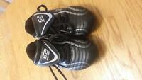 soccer cleats - size 10