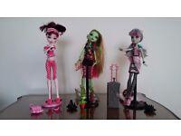 Monster high dolls set 1