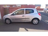 Renault clio 1.4 petrol 3dr expression, ideal for first time buyer