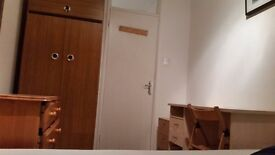 Spacious double room to rent for a person