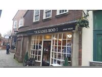 £175,000 for a charming Freehold Retail shop in the historic Market Square of Newark. LOCATION !