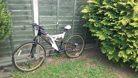 Mountain Bike with suspension and disk brakes