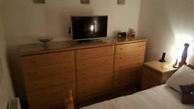 Oak shaker bedroom furniture