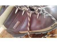 Mens Timberland boots size 8 excellent condition.