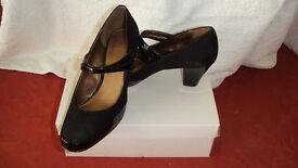 Ladies black suede/patent button strap shoes size 7