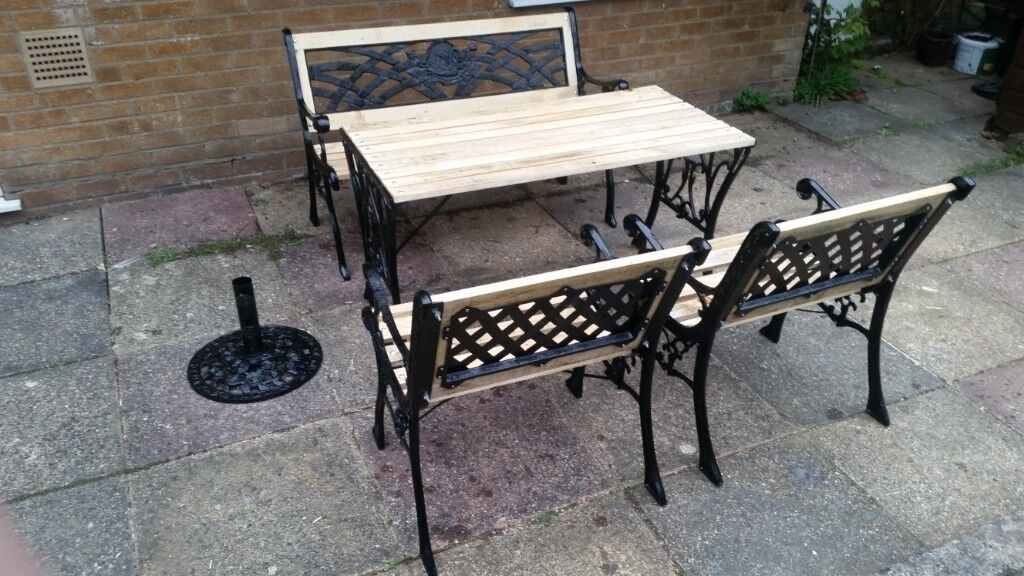 Admirable Cast Iron Garden Furniture 5 Piece Table Bench 2 Chairs And Parasol Refurbished In Northampton Northamptonshire Gumtree Pabps2019 Chair Design Images Pabps2019Com