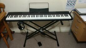 Digital piano Gear4music (SDP-2 Stage Piano) + Stand Pedal and Headphones