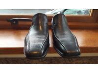 Mens Black Clarks Slip-on Shoes- Size 7.5