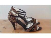 OASIS Leopard Print & Patent Black Peep Toe T-Bar Strappy High Heels UK Size 41