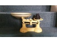 VINTAGE KITCHEN SCALES INCLUDING WEIGHTS