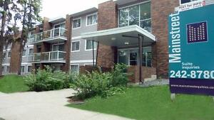 Newly Renovated Apartments Nearby Oliver square. FREE INTERNET O Edmonton Edmonton Area image 1