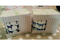 2x dog mugs, pet blanket and toy