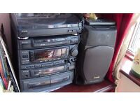 Aiwa Z1800 Karaoke Compact Hi-Fi System with Record Player