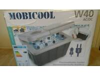 Waeco Mobicool Q40 Dometic Thermo Electric Cooler 12 V AC/DC Cool Box