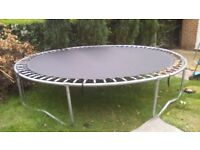 10 FT Trampoline in very good condition