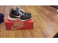 Size 10 Nike prestos like new